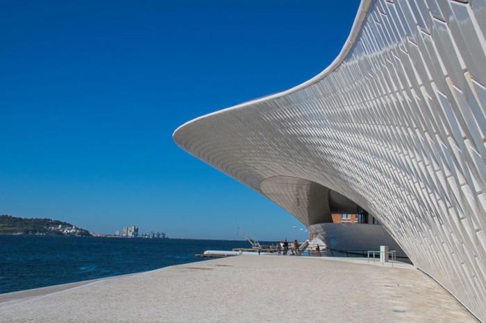 MAAT, musée des arts, de l'archtiecture et de la technologie dans le quartier de Belem à Lisbonne