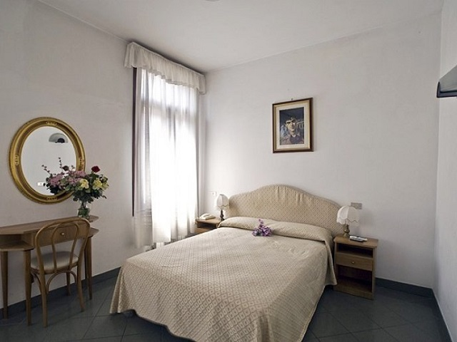 hotels pas chers venise webcity. Black Bedroom Furniture Sets. Home Design Ideas